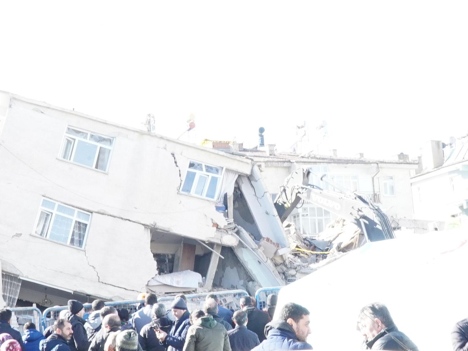 Elazığ Ve Malatya Depremi